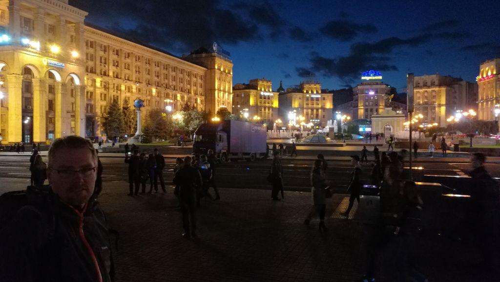 Po návratu - večerní Maidan 2