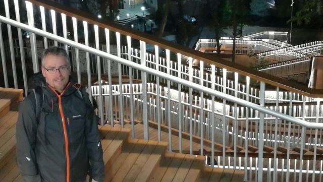 Po návratu - schody k hotelu