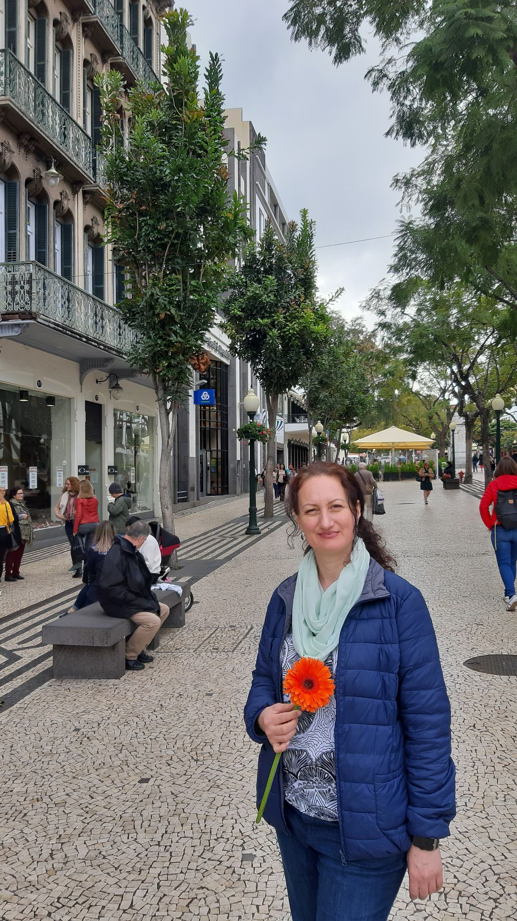 Náměstí Funchal, Lenka