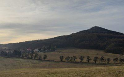 7. nejvyšší vrchol Českého středohoří – Kletečná